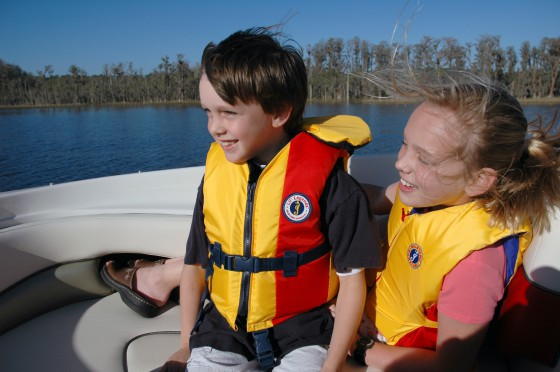 Are You and Your Passengers Wearing Approved Lifejackets?